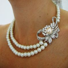 Pearls and diamonds together are so lovely and classic.