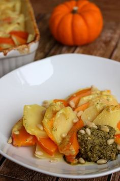 Kürbis-Kartoffel-Auflauf mit Pesto