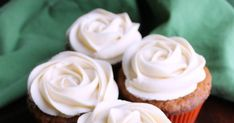 Top your favorite treats with this easy to make caramel buttercream. Just imagine all of the cakes, cupcakes and cookies it could go on! Crisco Frosting, Caramel Buttercream Frosting, Cake Frosting Recipe, Frosting Recipes, Icing, Cake Recipes, Cupcake Cakes, Cupcakes, Cupcake Flavors