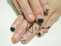 prussian blue and mustard coloured nail art Fancy Nails, Love Nails, How To Do Nails, Pretty Nails, Gel Nail Art, Diy Nails, Manicure And Pedicure, Space Nails, Metallic Nails