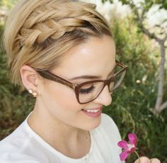 Icy Short Pixie Cut - 60 Cute Short Pixie Haircuts – Femininity and Practicality - The Trending Hairstyle Haircut For Thick Hair, Short Wavy Hair, Short Hair Styles, Braid Styles, Dutch Boxer Braids, Braids For Short Hair, Braid Hair, Edgy Hair, Short Pixie Haircuts