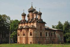 Hoja de Rutas: Velikiy Novgorod   Новгород - brick church