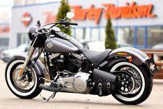 Harley-Davidson Softail Slim by Thunderbike