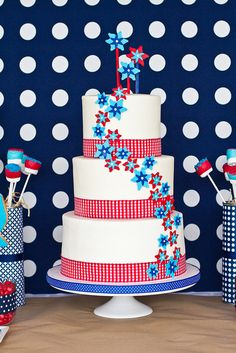 4th of july pinwheels cake  Could be a wedding cake too.