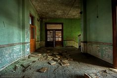 by David Barnas. Abandoned school in Michigan, 2013