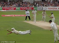 What an iconic moment from the best series of cricket ever played. I remember literally jumping out of my seat when this catch was taken. One of the many occasions that makes you fall in love with sport. England Cricket Team, Latest Cricket News, Cricket Videos, Cricket Wallpapers, Cricket Games, Play N Go, Cricket Match, Star Wars, Sports Stars