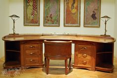 Art Nouveau furniture at the Musée d'Orsay in Paris. Mobiliário Art Nouveau, Art Nouveau Furniture, Curved Lines, Arts And Crafts Movement, Art Deco Fashion, Architecture, Corner Desk, Design Art, House
