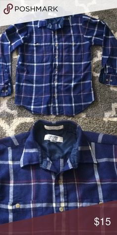 Super soft flannel. Lite weight. Great condition! Arrow Sport Shirts Casual Button Down Shirts