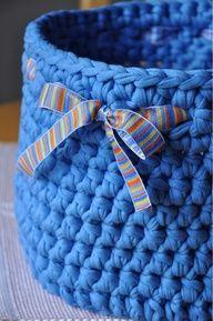 Hoje é dia de ... cestos de croche , bb !!! - Faniquito