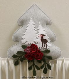 Robe di Robi: Alberi di Natale in feltro Christmas Ornaments To Make, Christmas Sewing, Christmas Art, Christmas Stockings, Felt Decorations, Christmas Decorations, Felt Crafts, Diy And Crafts, Felt Dolls