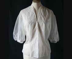 Vintage 1950 Chemisier blanc brodé par SergineBroallier sur Etsy