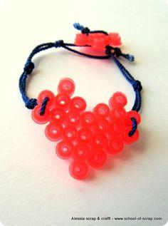 Lavoretti festa della mamma: bracciali con perle Pyssla