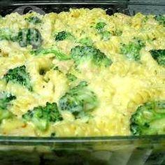 Zdjęcie do przepisu: Brokuły zapiekane z makaronem
