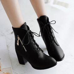 zapatos de moda con tacon grueso