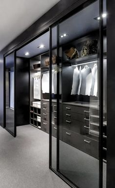 Home decor bedroom closet 44 walk in closet designs for dream luxury homes sublime maison camps bay par saota Wardrobe Room, Wardrobe Design Bedroom, Closet Bedroom, Walk In Wardrobe, Wardrobe Storage, Dream Home Design, Modern House Design, Home Interior Design, Luxury Bedroom Design
