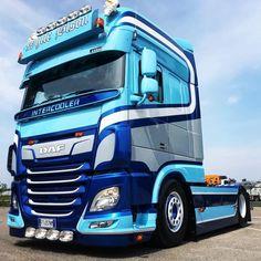 DAF Trucks UK 🇬🇧 (@DAFTrucksUK) on Twitter Big Rig Trucks, New Trucks, Customised Trucks, Truck Transport, Old Lorries, Luxury Bus, Toyota Hiace, Heavy Truck, Truck Design