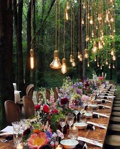 Will you wanna show how gorgeous wedding lights can be, how creative wedding table deco can be? Get ready for these sparkly wedding ideas! Bohemian Wedding Reception, Bohemian Wedding Decorations, Wedding Table, Decor Wedding, Wedding Receptions, Bohemian Chic Weddings, Reception Table, Dinner Table, Wedding Colors