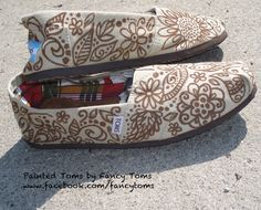 I am so taking a sharpie to my Toms.