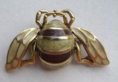 """Enamel """"bee"""" pin"""