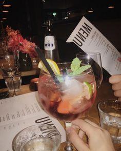 Amsterdam, Hendrick's Gin, Restaurant, Moscow Mule Mugs, Chocolate Fondue, Cheers, Steak, Drinks, Tableware