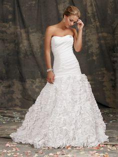 oshkosh bridal salonM983