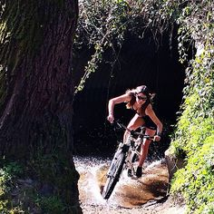 Claudia Clement. MTB and Bicycles Love Girls. http://bicycleslovegirls.tumblr.com/