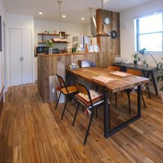 yoshiさんの、無垢材の床,無垢の床,イベント用に再投稿,アカシアの床,施主支給,部屋全体,のお部屋写真