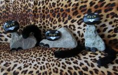 Ihr Homepagetitel... Cats created with natural rock body,and painted head and paws rocks are added!!