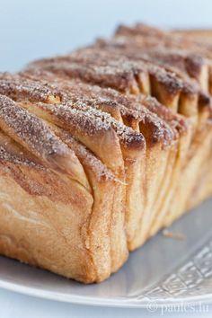 Zupf-Schuedi - eine Art Cinnamon Pull Apart Bread  (ausprobiert und für gut befunden; der Teig geht hervorragend auf; das Ergebnis ist gar nicht so sehr zuckrig wie man meinen könnte)
