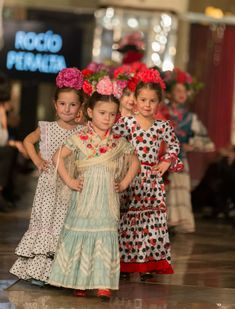 Estas son las tendencias de moda flamenca infantil que han presentado Flamenca Pol Núñez, Nueve, Rocío Peralta y Carmen Acedo en la pasarela VIVA by WLF Spanish Dress, Spanish Dancer, Outfits For Spain, Flamenco Dancers, Bridesmaid Dresses, Wedding Dresses, Cute Kids, Special Events, Baby Kids