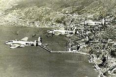Mitchells sobre el puerto Valparaiso años 1950.   ---   Im.016