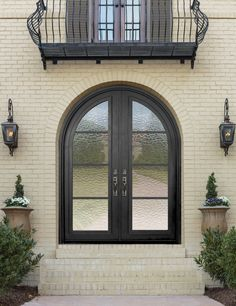 GlassCraft's round top double door in WP series design. Choice of double IG glass with varying privacy ratings.