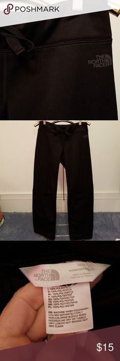 """North Face cozy casual pant Super cozy The North Face black drawstring pant. Thick, fleece lined, small interior stash pocket on waistband. Size medium but fit more like a small. 39"""" long. Excellent condition. Minor piling on inside bottom leg openings. North Face Pants"""
