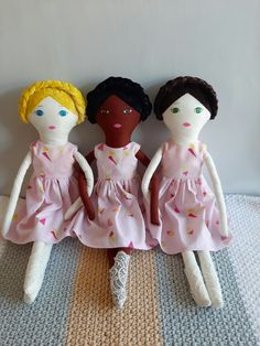 Rag Dolls, Fabric Dolls, Crafts For Kids, Arts And Crafts, Velvet Material, Cute Toys, Soft Dolls, Wash Bags, Hand Coloring