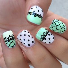 Oh, I like this nail art and the color, mint is so pretty.