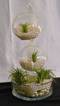 "13"" dual hanging globes glass stand Center piece"