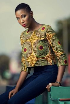 25 Styles You Can Create With 2 Yards Of Fabric – Stampe Africane Box African Blouses, African Tops, African Women, Latest African Fashion Dresses, African Print Fashion, Africa Fashion, Ankara Fashion, Tribal Fashion, African Prints