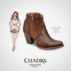 """Si tu cuerpo es de reloj de arena te recomendamos """"botas con tacón cono"""" ya que dan fuerza y enaltece las curvas de la mujer. #Tips #Consejos #Shoes #Fashion #Women"""