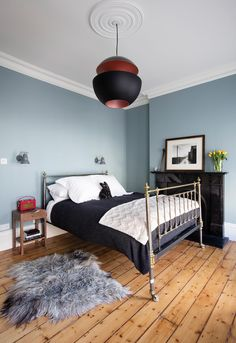Spare bedroom: make the most of your space - These Three Rooms Dream Bedroom, Guest Bedrooms, Pastel Bedroom, Interior Inspo, Bedroom Decor, Bedroom, Spare Bedroom, Wooden Bedroom, Bedroom Flooring