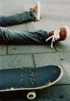 Relax Skate | weheartit | snap | broken | skate board | skater | chillin | pavement | rest | www.republicofyou.com.au