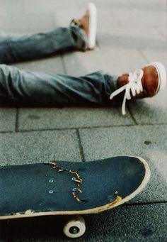 Relax Skate   weheartit   snap   broken   skate board   skater   chillin   pavement   rest   www.republicofyou.com.au