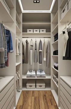 Walk In Closet Ideas - Searching for some fresh ideas to renovate your closet? Visit our gallery of leading deluxe walk in closet design ideas and also photos. Walk In Closet Design, Bedroom Closet Design, Master Bedroom Closet, Closet Designs, Small Walk In Closet Ideas, Small Walk In Wardrobe, Small Master Closet, Small Closets, Bedroom Designs