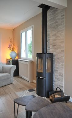 Log Burner Living Room, Living Room With Fireplace, Home Living Room, Modern Fireplace, Home Upgrades, Living Styles, Home Repairs, Modern House Design, Family Room
