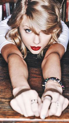Taylor Swift Find Your Favourite Stars IPhone Android Wallpapers And