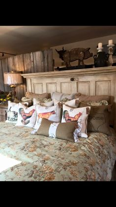 34 Best Ideas For Farmhouse Bedroom Furniture Headboards Old Doors - Farmhouse bedroom Rustic Bedroom Design, Modern Bedroom, Bedroom Designs, Contemporary Bedroom, Rustic Design, Diy Design, Modern Design, Design Ideas, Farmhouse Bedroom Furniture