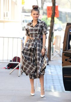 zendaya-coleman-arrives-at-the-view-in-new-york-04-22-2015_1.jpg (1200×1735)