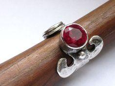 Offene Silberring Crimson facettierten Stein von rioritajewelry