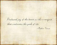 Handwritten Mother Teresa Joy quote on textured linen paper. Joy Quotes, Words Quotes, Wise Words, Quotes To Live By, Life Quotes, School Quotes, School Sayings, Choose Joy, Mother Teresa