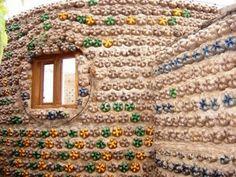 Autossustentável: Casa de Botellas - Ingrid Vaca- Diez - garrafas PET