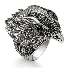 As a messenger of light, this elegant falcon #THOMASSABO ring makes a real impact with its radiant eyes made from onyx and a dazzling cloak of feathers and is guaranteed to lend an expressive flair to any look.